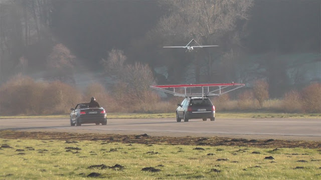 drone-lands-on-a-car