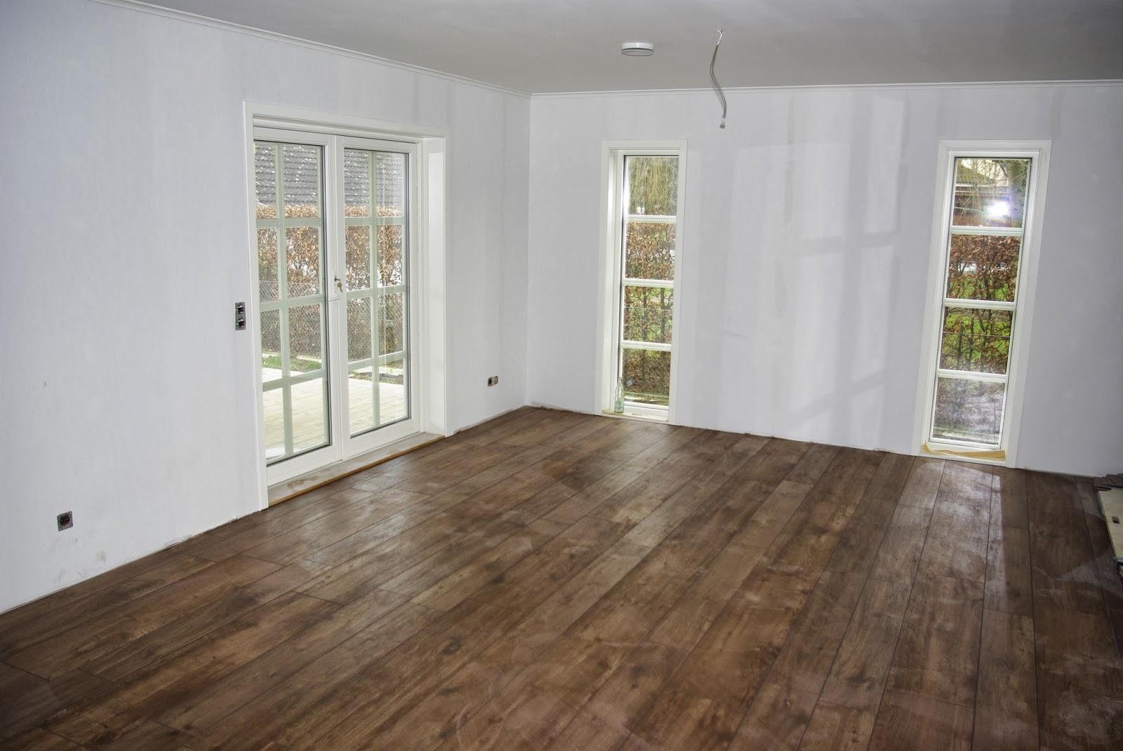 norwegian dreamhome fliesen teppich und ein bisschen wandfarbe. Black Bedroom Furniture Sets. Home Design Ideas