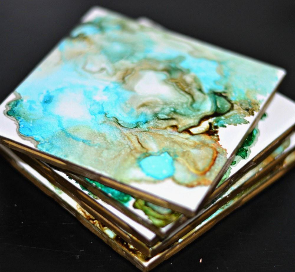 DIY Agate Look Ceramic Tile Coasters with Gold Edge Made with Alcohol Ink