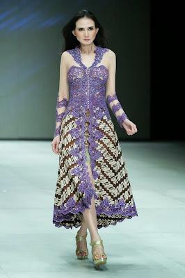 Model Pakaian Batik Kebaya Modern Unik