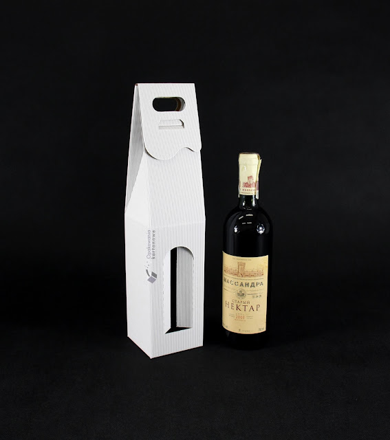 Opakowanie na wino z logotypem