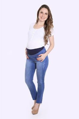 Calça para grávida azul claro.