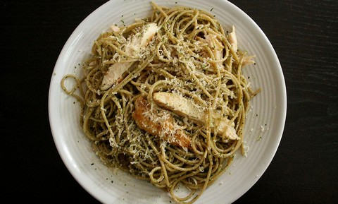 Whole Wheat Pasta with Pesto and Grilled Chicken