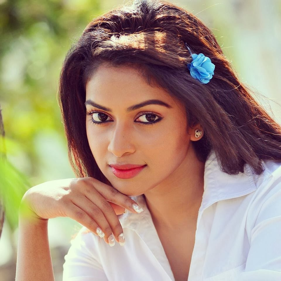 cute indian actress images and wallpapers latest