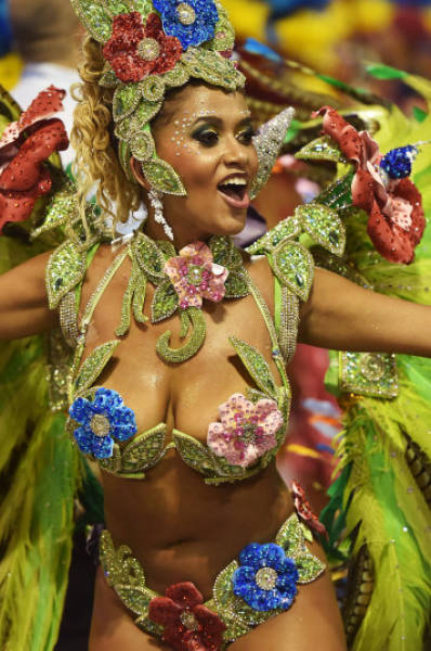 The carnival usually peaks on Sunday and Monday nights with competing samba parades famous for their choreography (the sequence of steps and movements in dance) and extraordinary costumes.