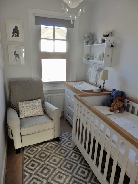Decorate A Small Square Living Room: Doyounoah: How To Decorate A Small Nursery