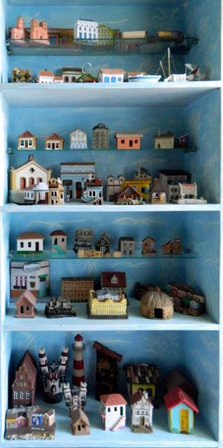 Lembranças de viagens, casinhas de várias partes do mundo
