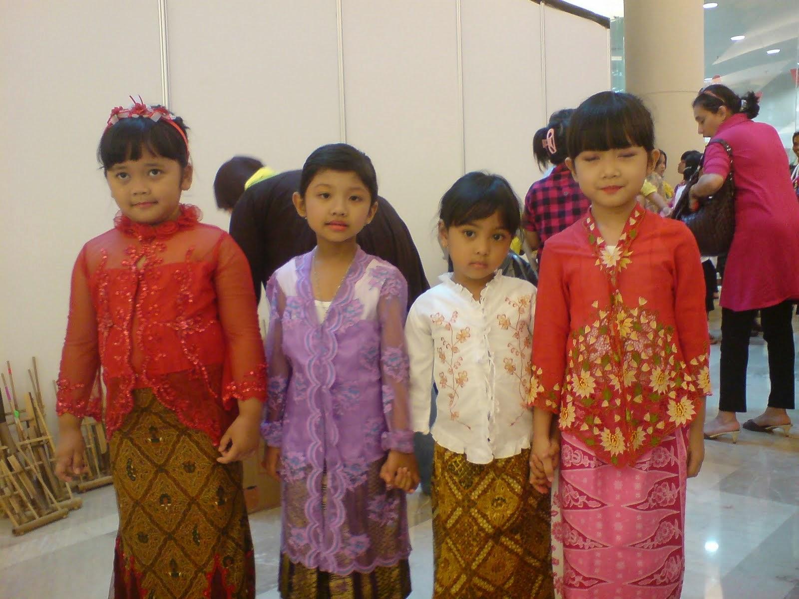 Kumpulan Foto Model Baju Kebaya Anak - Kebaya Model Baru