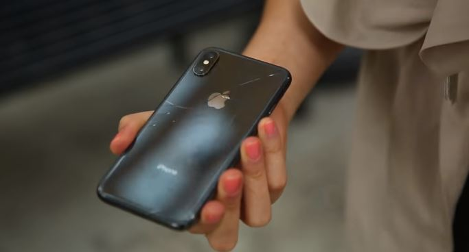 $1,000 iPhone X easily gets cracked in just one drop