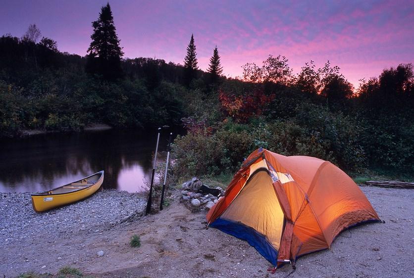 mendirikan tenda Daftar Area dan Tempat Camping Ground di Makassar dan Sekitarnya untuk para Pemula