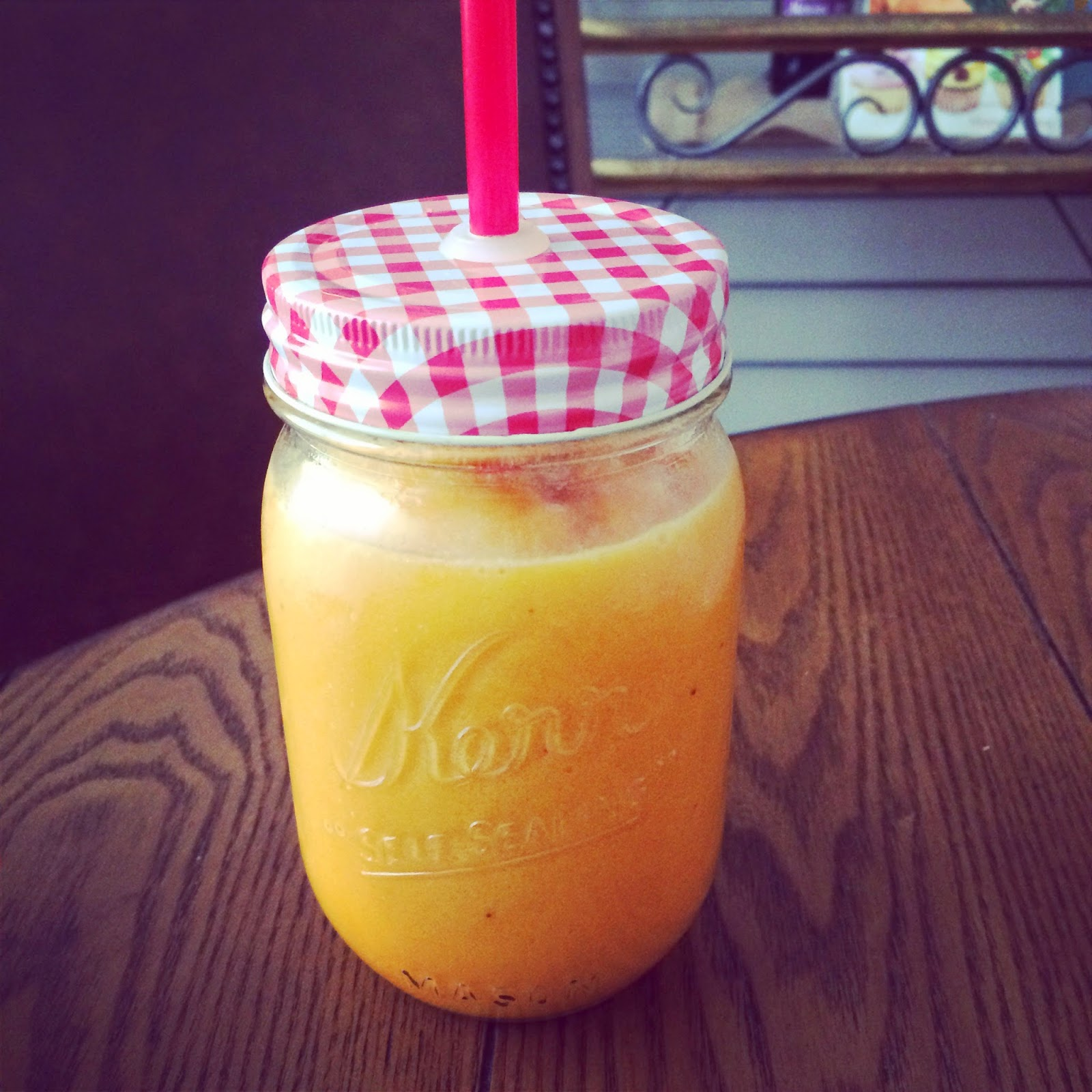 This easy smoothie recipe will leave you full and satisfied! Orange Summer Smoothie