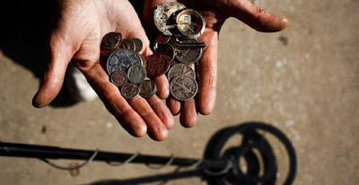 Συνελήφθησαν πέντε ημεδαποί που έψαχναν θησαυρό