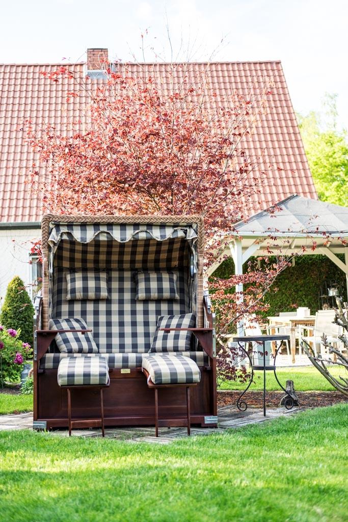 www.fim.works | Lifestyle-Blog | Strandkorb, Garten Pavillon aus Holz, Garten