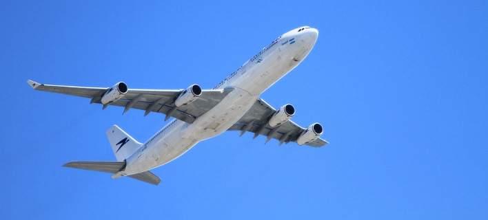 Πανικός στην πτήση Στοκχόλμη - Ηράκλειο Κρήτης: Κατέβασαν από το αεροσκάφος επιβάτη με τατουάζ του Ισλαμικού Κράτους!