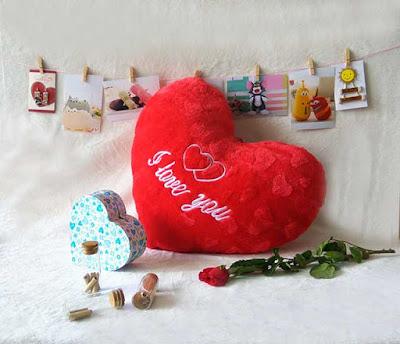 gối trái tim