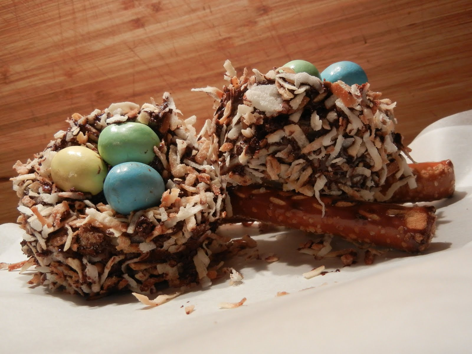 The Dainty Domestress Bird Nest Cakes