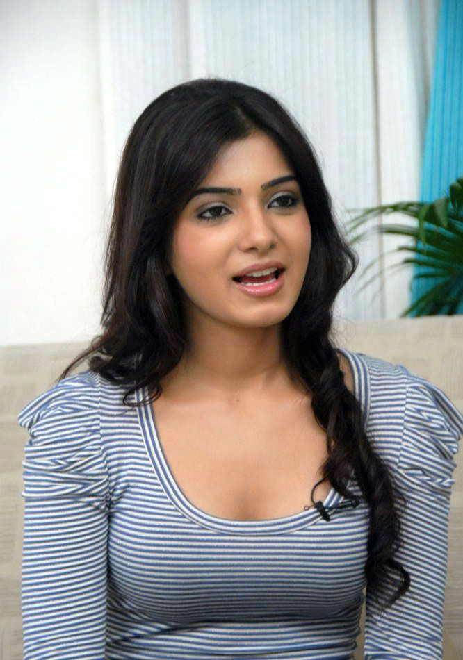 Samantha Spicy Photos In Blue Jeans