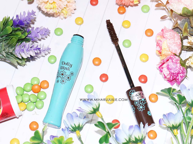review Dolly Wink volume Black Mascara - Kay Collection