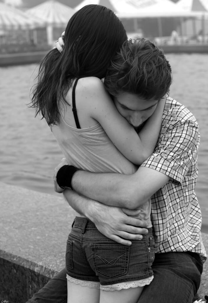 Hug Day Images for Boyfriend and Girlfriend