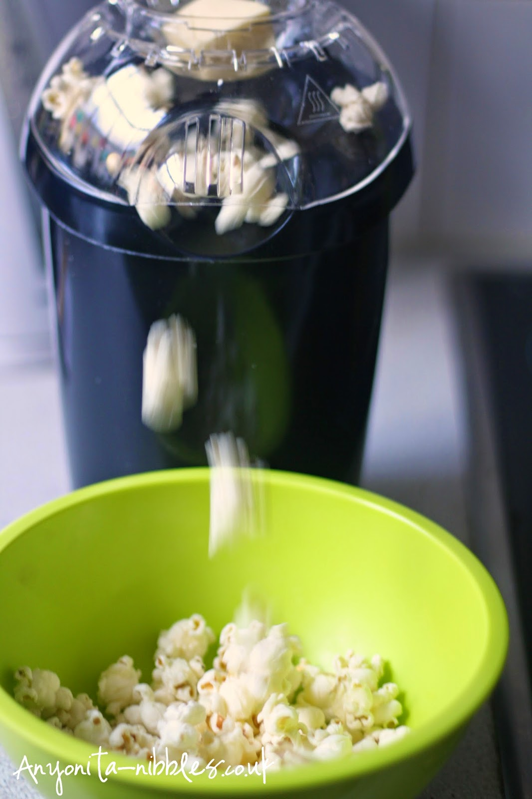 Hot air popcorn making in action from Anyonita-nibbles.co.uk