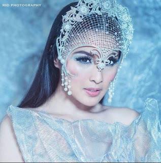 Foto Princess Sandra Dewi Gambar Artis Cantik Indonesia Ice Queen Ratu Es