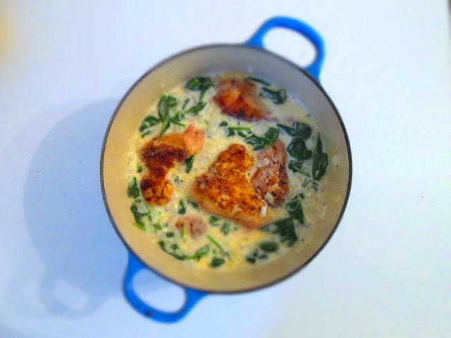 Sund alt-i-en ret med kylling, spinat og lime/butter sauce