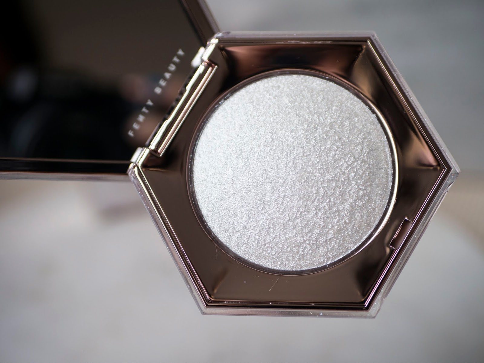 Fenty Beauty - Diamond Bomb