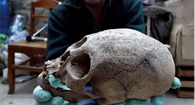 Αρχαιολόγοι Ανακάλυψαν Νέους Τάφους με Επιμήκη Κρανία στην Βολιβία