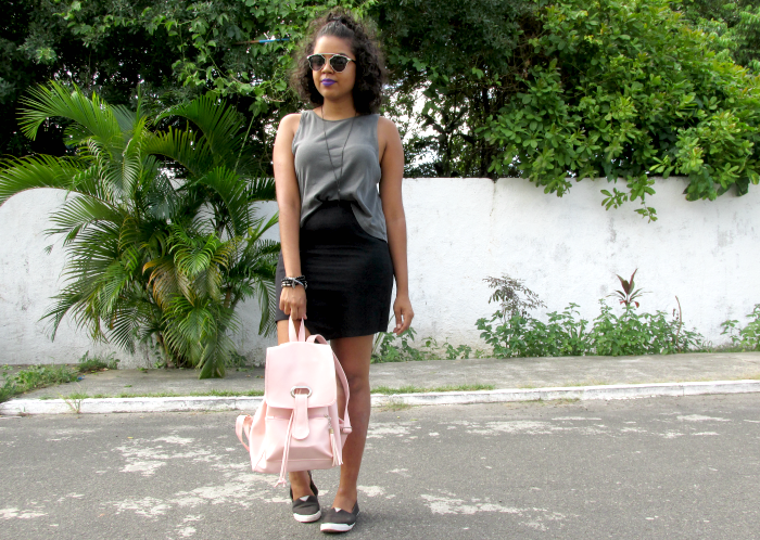 Saia assimétrica e mochila rosa: Look de gringa, Saia assimétrica, Look de gringa