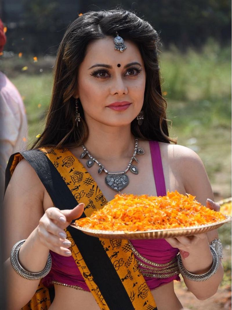 Minissha Lamba as Vishkanya in Tenali Rama
