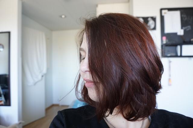 kasviväri henna vegaani vegan hiukset natural herbal hair color khadi tummanruskea