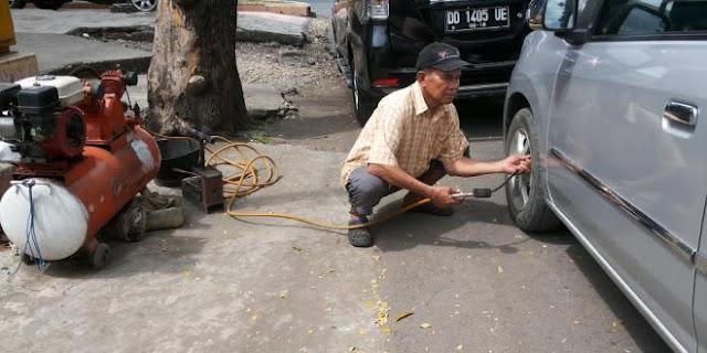Inilah Aiptu Mustamin, Polisi Nyambi Tambal Ban Selama 20th