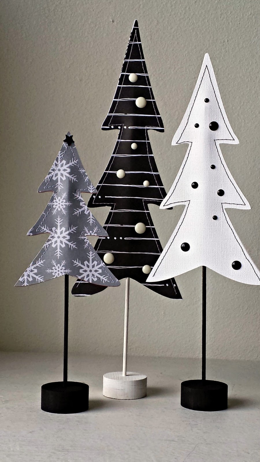 Black & White DIY Christmas Shadow Box, a tutorial featured by top US craft blog, Ameroonie Designs