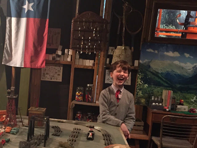 Iain Armitage on set of Young Sheldon