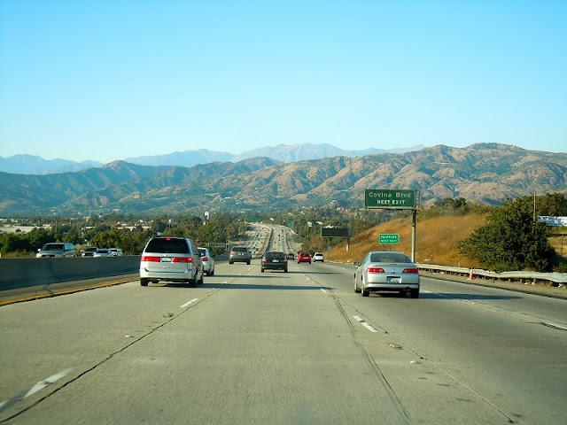 Serviço de aluguel de carro para uma viagem de Las Vegas à Santa Bárbara