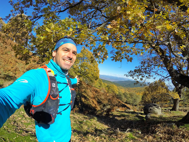 Por el camino que sube al Pico de Casillas