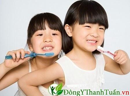 các bậc cha mẹ đã biết về sự nguy hiểm của việc sâu răng ở trẻ em