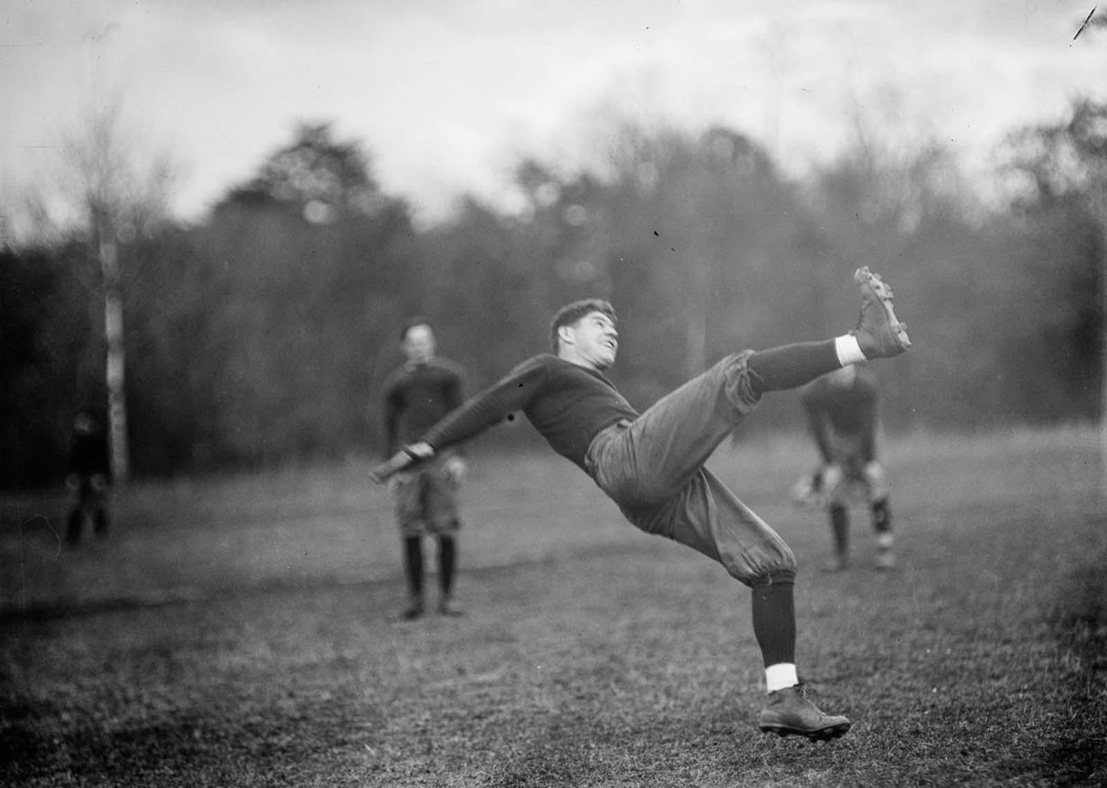 American football. 1912.