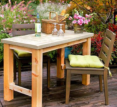 โต๊ะนั่งเล่นในสวน