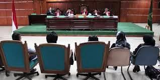 peranan hakim adhoc