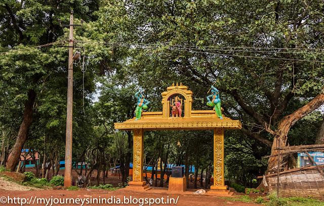 Chamundeshwari Temple near Kalhatti Falls