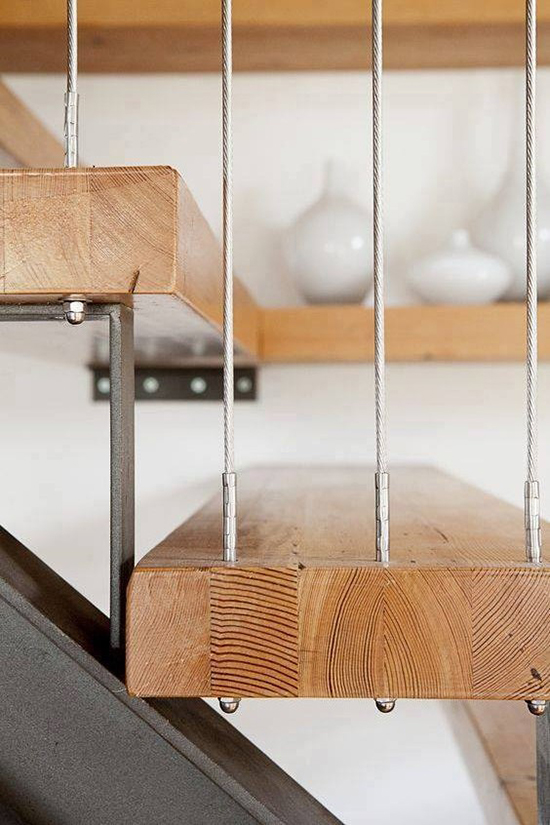 tangga kayu unik