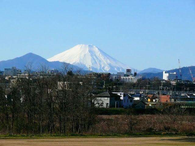 多摩川サイクリングロード 中央線 富士山