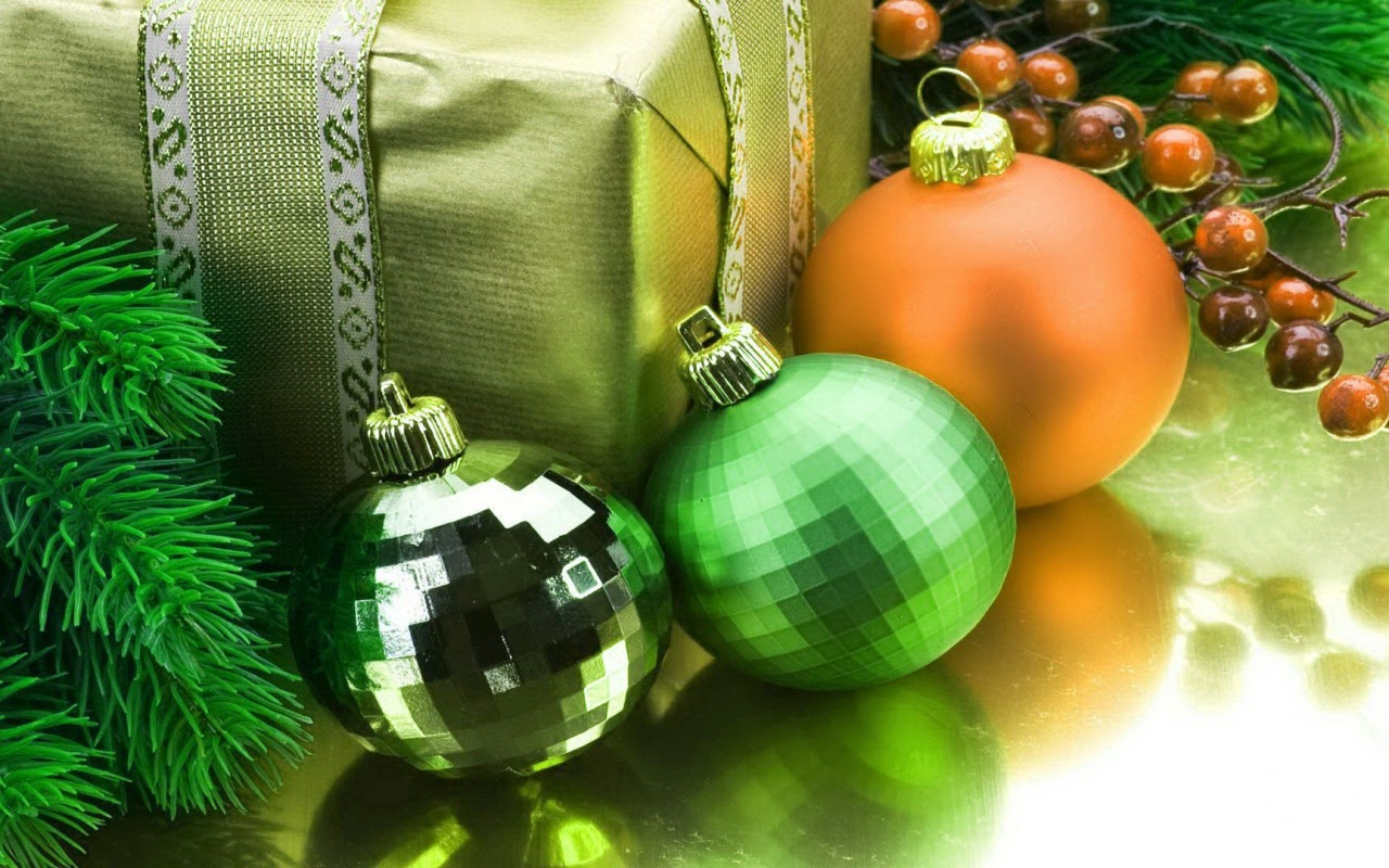 Christmas-gift-box-with-balls-decoration-ideas-for-home-image-photos.jpg