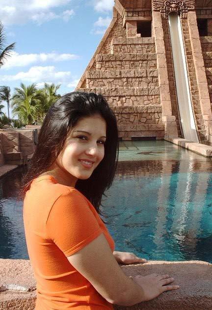 Sunny Leone-4954