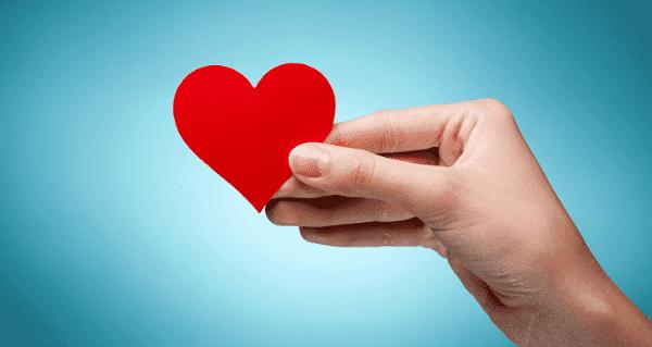 Las personas generosas son más felices, según estudio