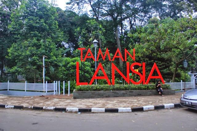 Taman%2BLansia%2B%2528www.ak62014.com%2529 - Segarnya Nuansa Taman Tematik di Kota Bandung | Visit Taman Tematik Kota Bandung 2016
