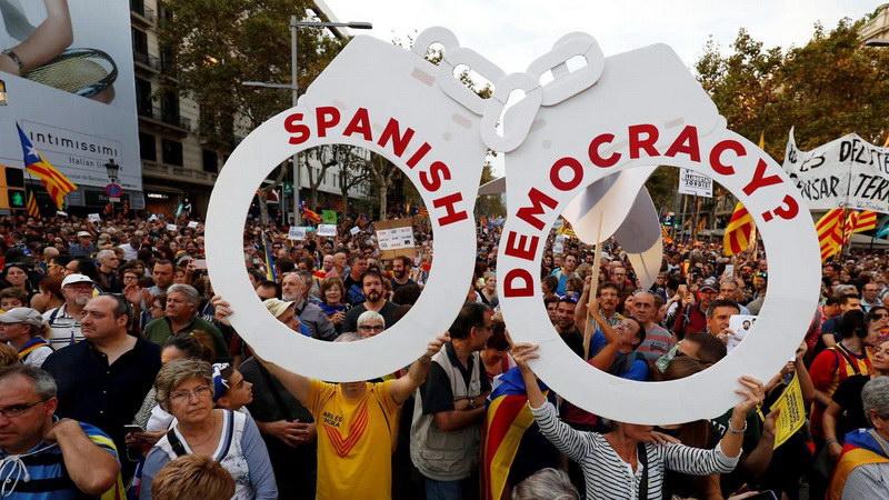 Σε θέσεις μάχης Μαδρίτη - Βαρκελώνη