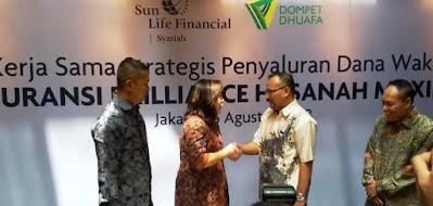 kerjasama strategis penyaluran dana wakaf sunlife financial syariah asuransi brilliance hasanah maxima dengan dompet dhuafa