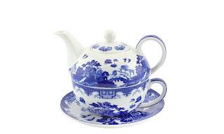 Set ceainic cu farfurie si ceasca disponibil aici